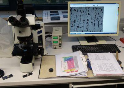 WPT_Mikroskop Aufhänger